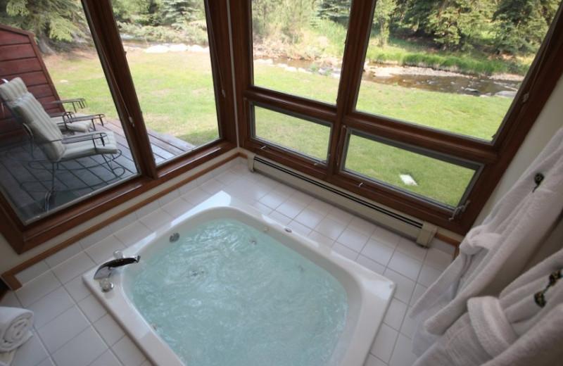 Bath Tub at Boulder Brook on Fall River