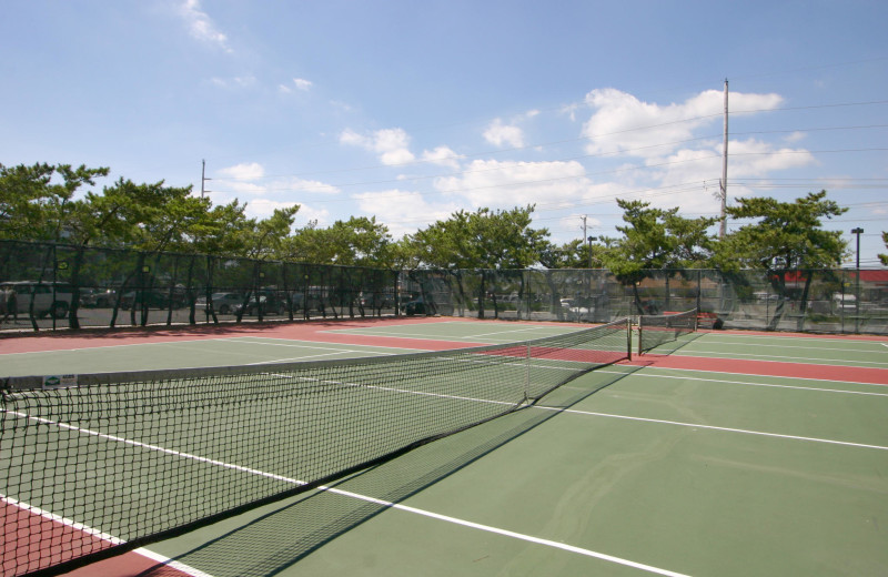 Rental tennis court at Century 21 New Horizon.