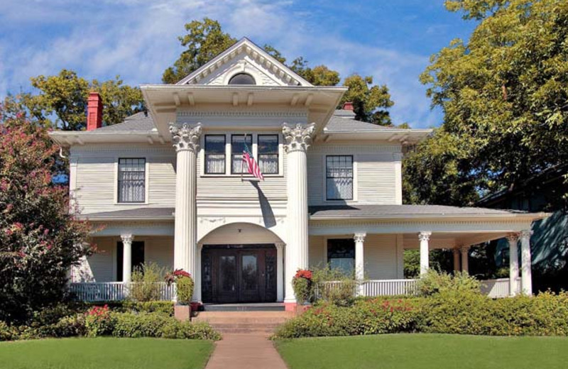 Exterior view of The Corinthian Bed and Breakfast.