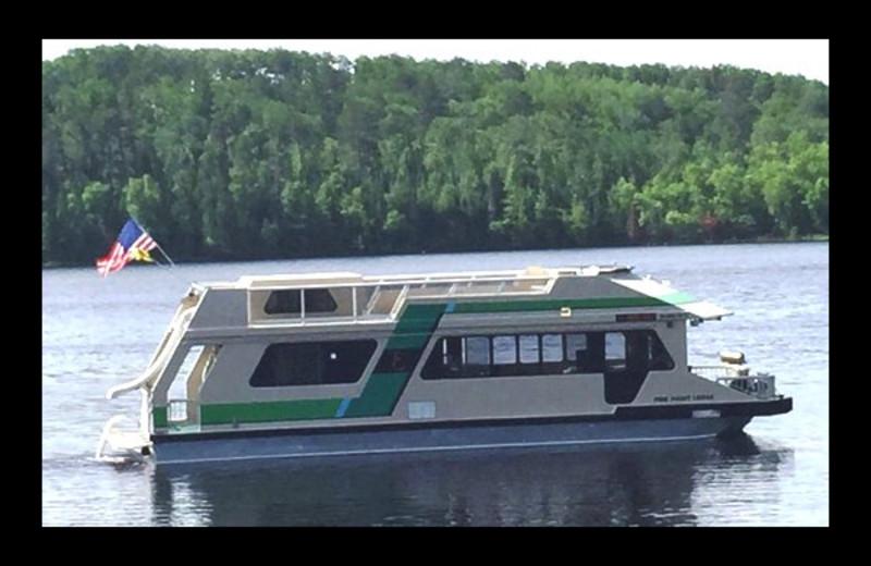 46' Sun Seeker Houseboat at Pine Point Lodge, Resort & Motel.