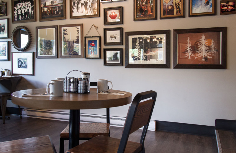 Dining room at The Lodge at Arrow Lakes.