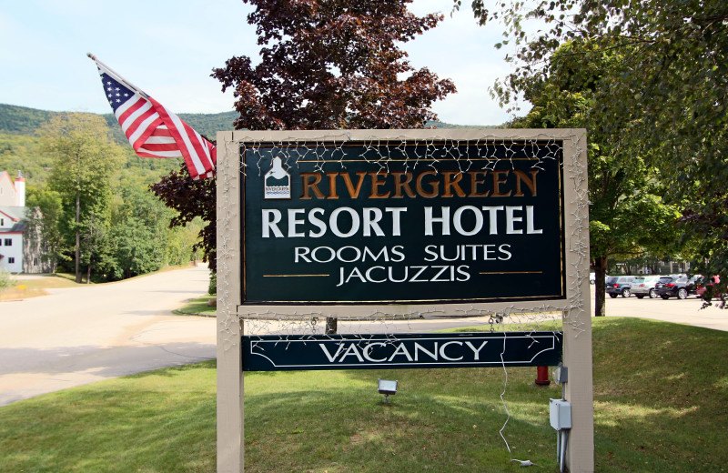 Welcome sign at Rivergreen Resort.