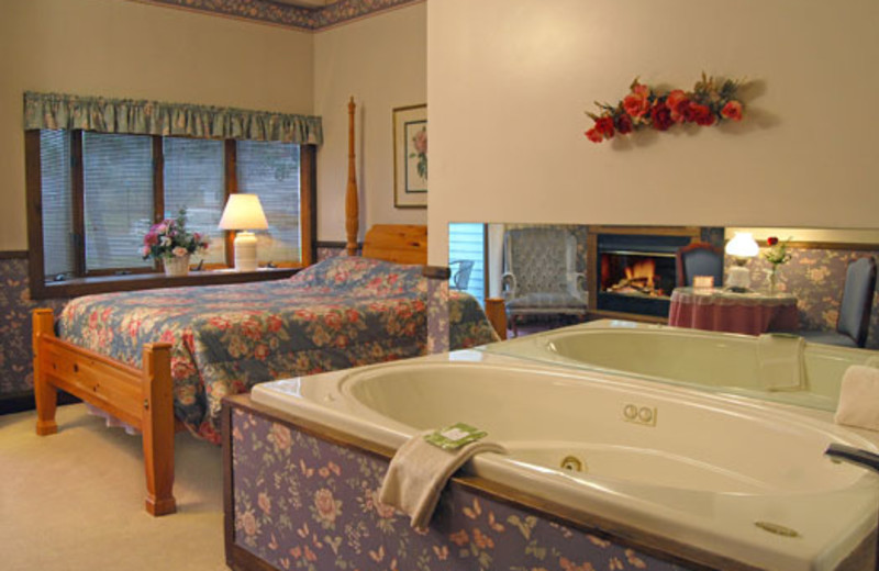 Room with a jacuzzi at Historic Afton House Inn.