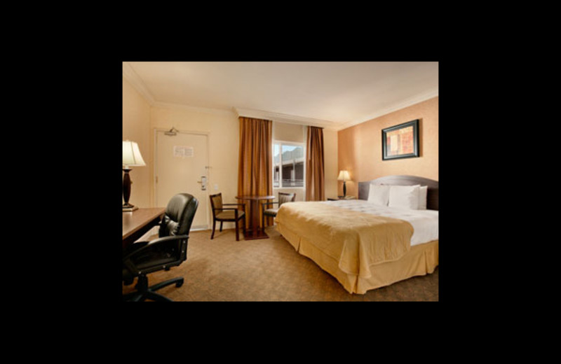 Guest room at Ramada Los Angeles/Downtown West.
