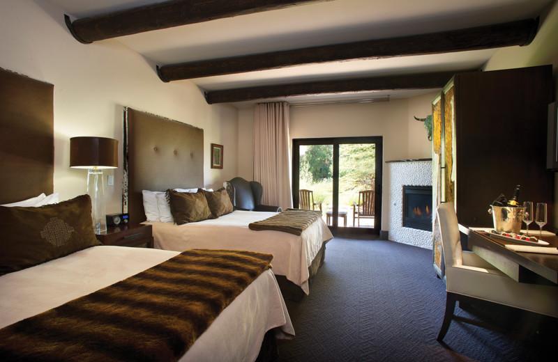 Two bed guest room at El Monte Sagrado.