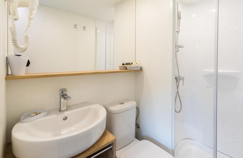 Toilet at Chateau Ramšak Glamping Resort.