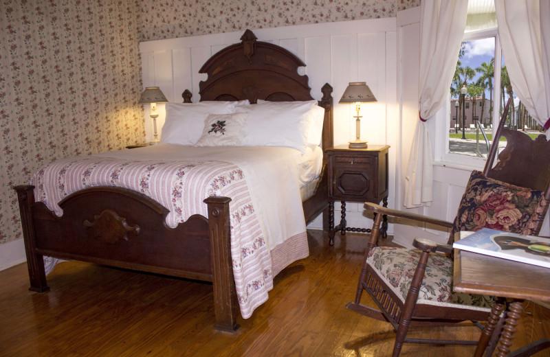 Guest room at Miami River Inn.