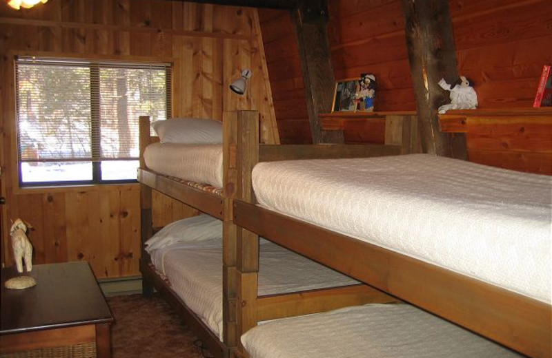 Cabin bunk beds at Idaho Cabin Keepers.