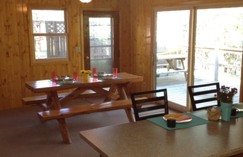 Cabin dining room at Timber Wolf Lodge Cabins.