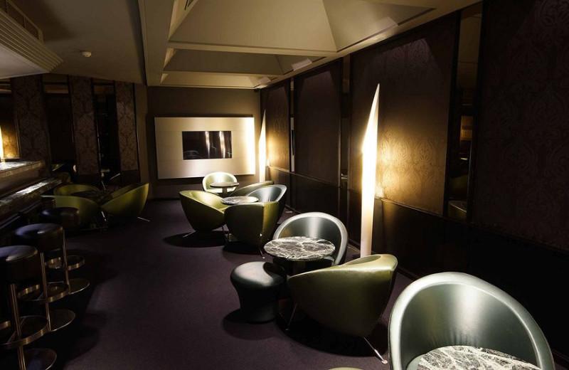 Lounge at Alfa De Kayser Hotel.