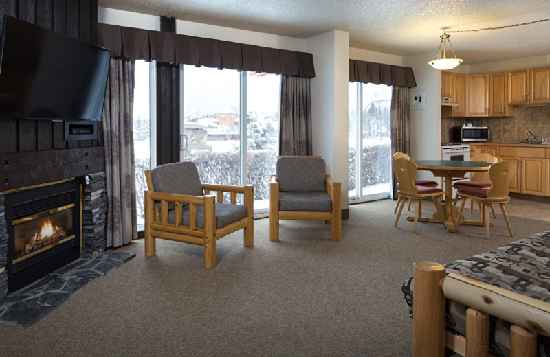Guest room at Rocky Mountain Ski Lodge.