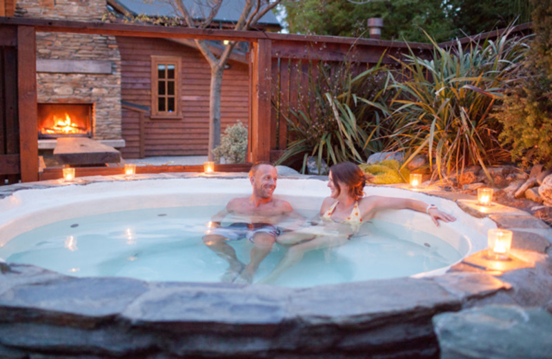 Hot tub at Willow Cottage.