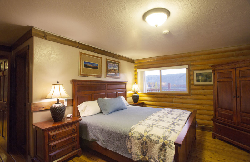 Guest bedroom at Castle Valley Outdoors.
