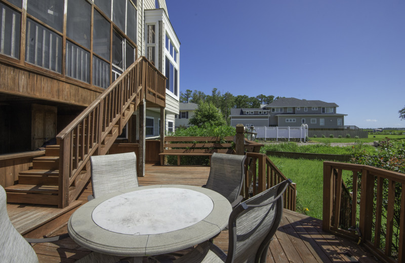 The outdoor patio at our property 281-A