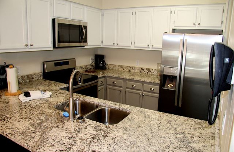 Guest kitchen at Pinnacle Inn Resort.