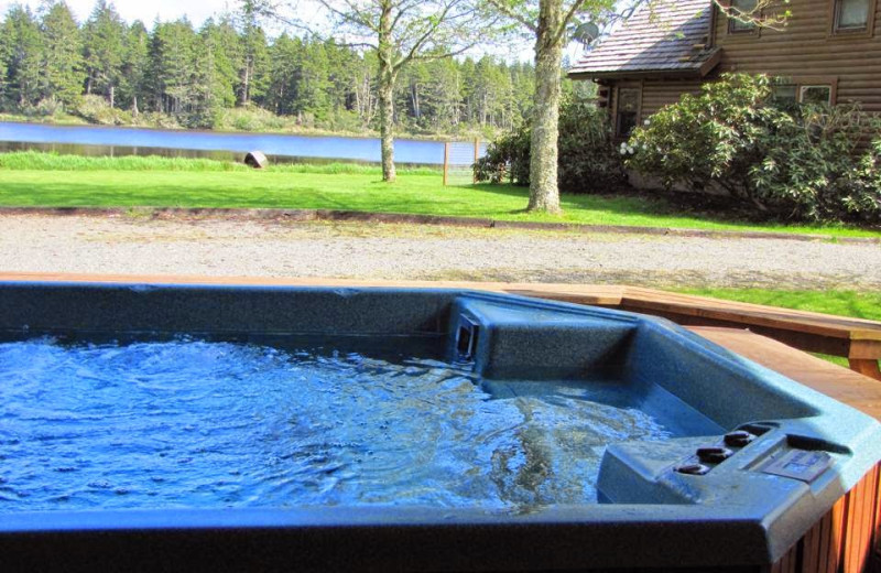 Hot tub at Lake Lodge Bed and Barn.