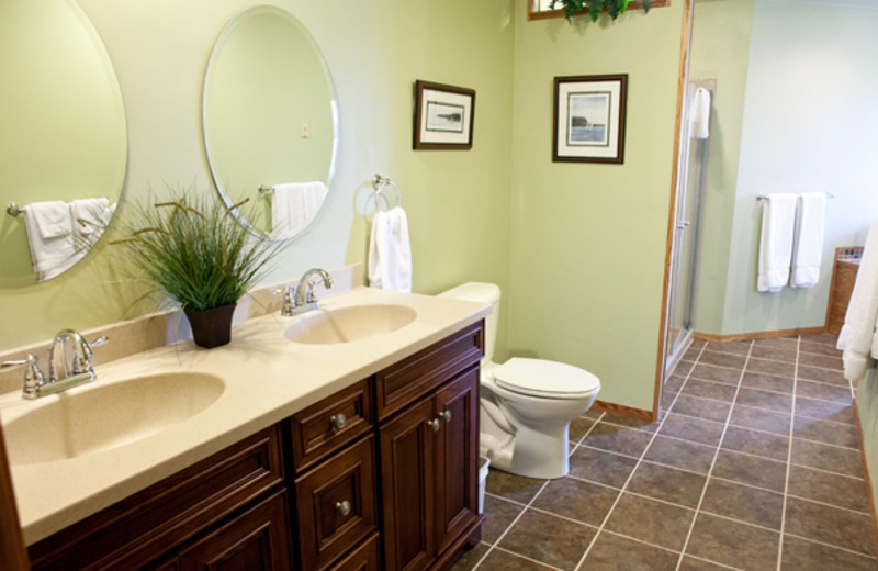 Guest bathroom at  Pine Grove Resort.