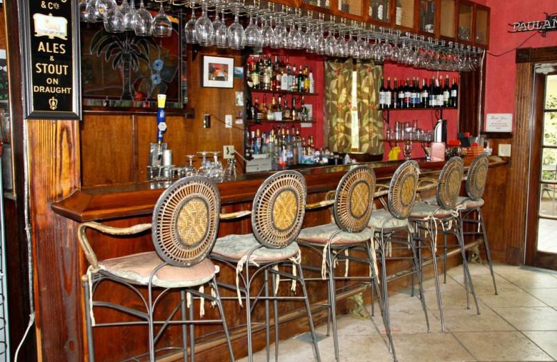 Bar at Peninsula Inn & Spa Inc.