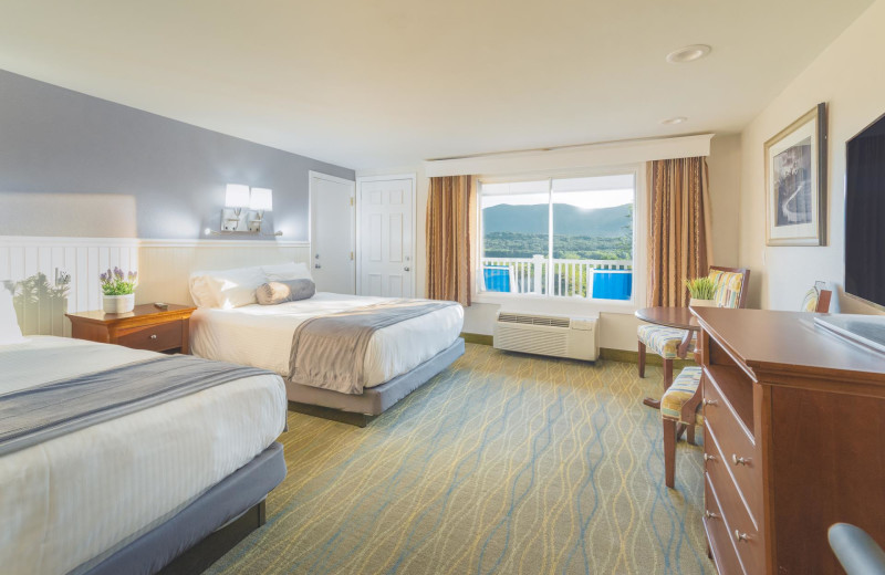 Guest room at Red Jacket Mountain View Resort.