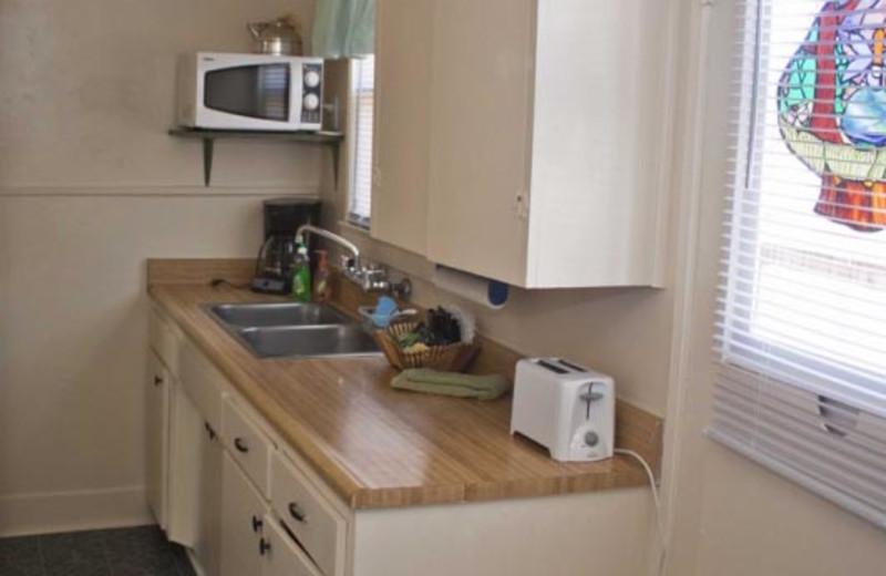 Cottage kitchenette at Blue Horizon Lodge.