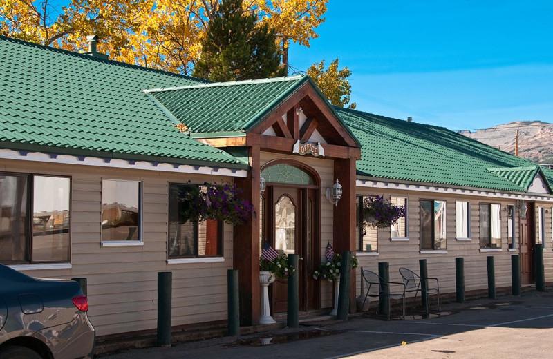 Exterior view of Dancing Bears Inn.