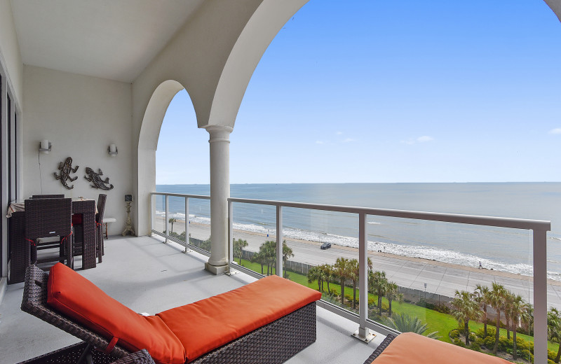 Diamond Beach not only offers private balconies from every home, indoor and outdoor pools, but also offers a business center, fitness center, kids play area, a movie theater style area to watch DVD's, spa and onsite bar.
