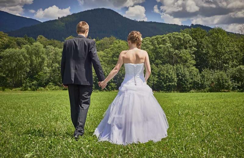 Weddings at Mountain Oasis Cabin Rentals.