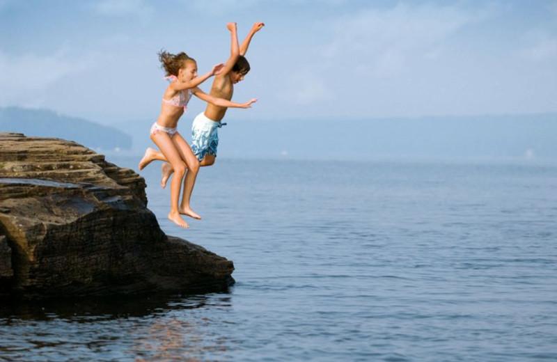 Kids playing at Ehrhardt's Waterfront Resort.