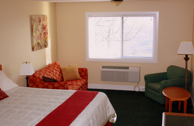 Guest room at Whitney Mountain Lodge.