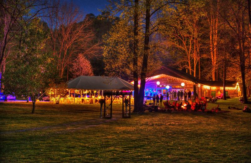 Weddings at Lands Creek Log Cabins.