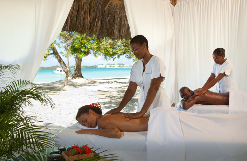 Couples massage at Couples Negril.