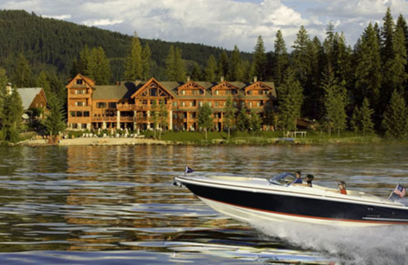 Boating at The Lodge at Sandpoint.