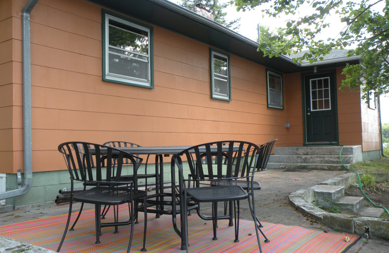 Outdoor patio at Sams Island Cabin.