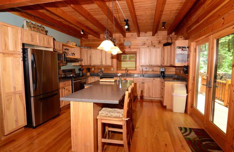 Rental kitchen at Railey Mountain Lake Vacations.