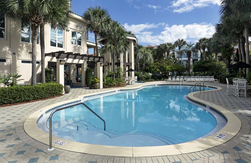 Rental outdoor pool at Southern Vacation Rentals.