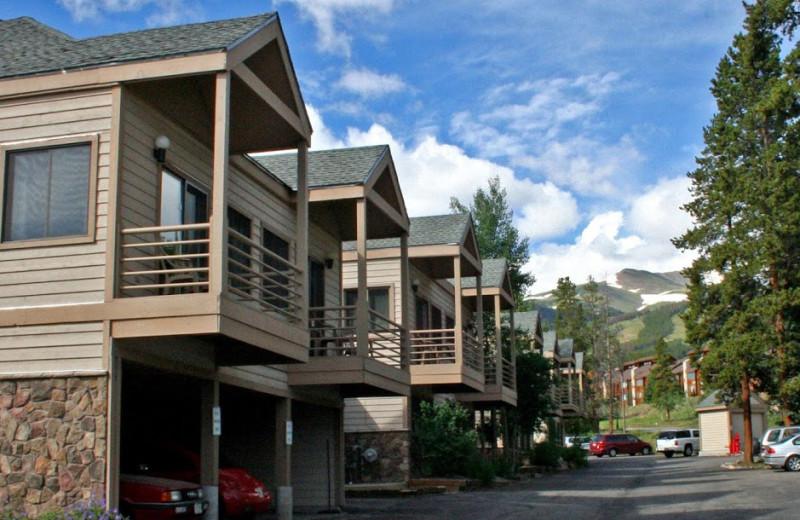 Rental exterior at Wildwood Suites.