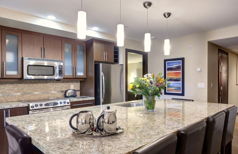 Guest kitchen at Sunrise Ridge Waterfront Resort.