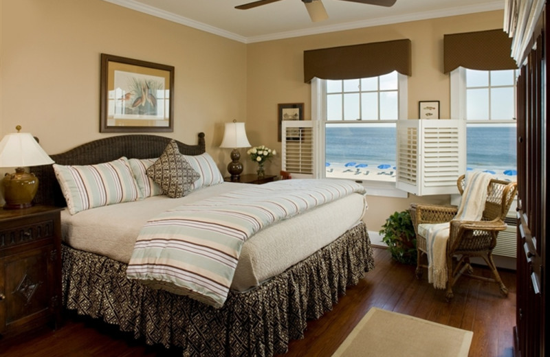 Guest Room at Elizabeth Pointe Lodge