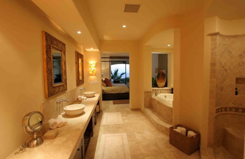 Rental bathroom at Luxury Villa Collections.