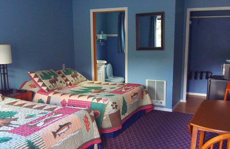 Guest room at Sunrise Inn.