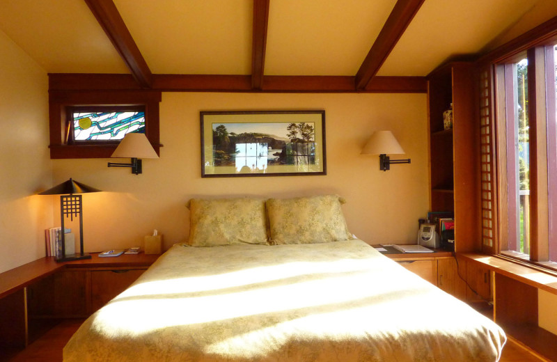 Guest room at Alegria Inn.
