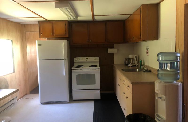 Cabin kitchen at Dogtooth Lake Resort.