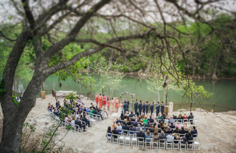 Wedding ceremony at Hideout on the Horseshoe.