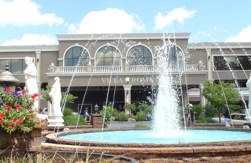 Exterior view of Villa Roma Resort.