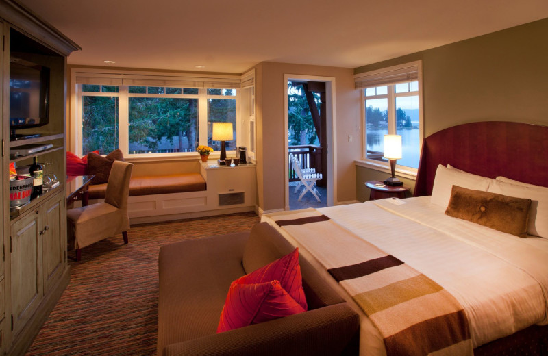 Guest room at Alderbrook Resort and Spa.