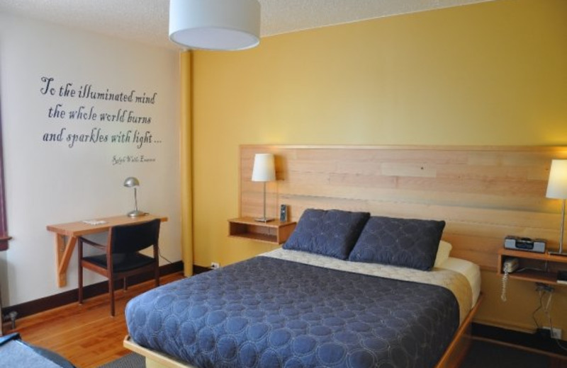 Guest room at Inn of the White Salmon.