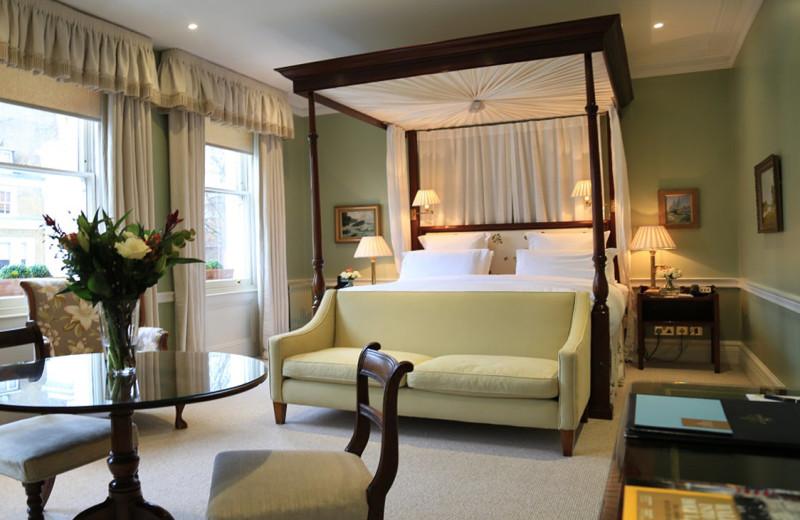 Guest room at Cranley.