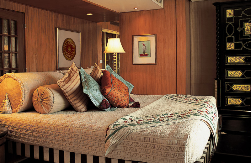Guest suite at Amarvilas - An Oberoi Resort.