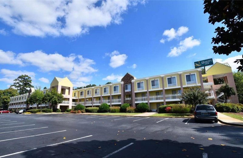 Exterior view of Quality Inn Northlake.