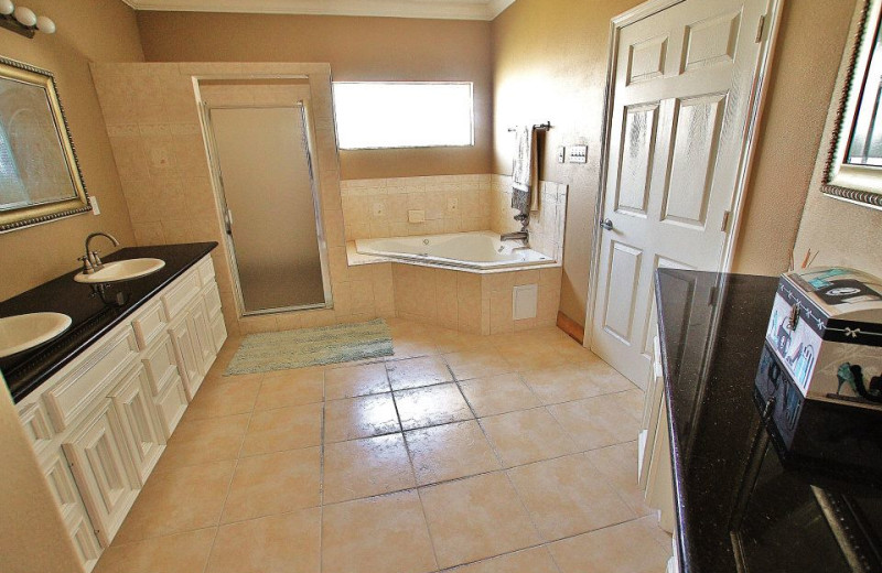 Vacation rental bathroom at Ryson Vacation Rentals.